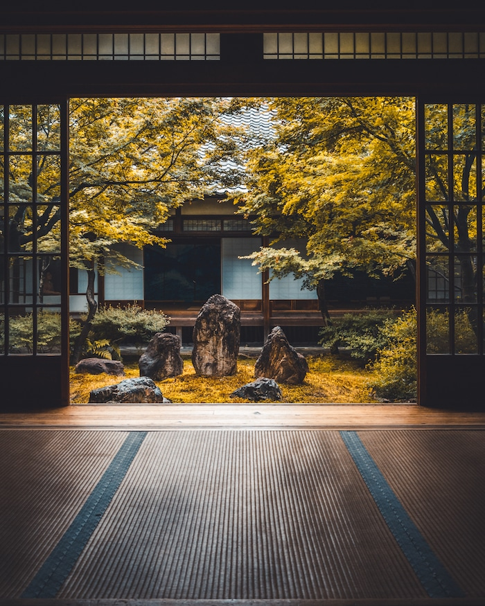 Photo of the beautiful Kenninji temple in Kyoto. Read more tips for visiting the most beautiful shrines and temples in Kyoto. #travel #asia #japan #kyoto